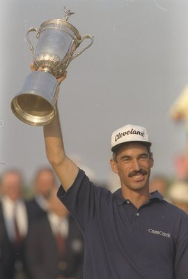 18 Jun 1995:  Corey Pavin holds high his trophy after winning the U.S. Open at Shinnecock Hills in Southampton,  New York.     Mandatory Credit: J.D. Cuban  /Allsport