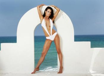 03911_romi_bean_cheerleader_bikini_gallery_122_493lo_122_493lo_display_image
