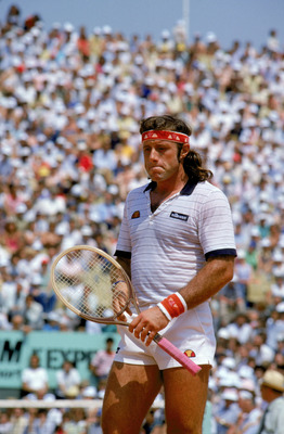 PARIS - 1982:  Guillermo Vilas of Argentina stands on the tennis court during a match in the 1982 French Open at the Stade Roland Garros in Paris, France.  (Photo by Steve Powell/Getty Images)
