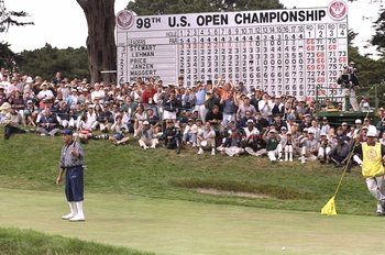 21 Jun 1998: Payne Stewart of the USA reacts after missing a birdie putt on the 18th hole during the 1998 U.S. Open Championships on the 6,797-yard, par-70 Lake Course at The Olympic Club in San Francisco, California.
