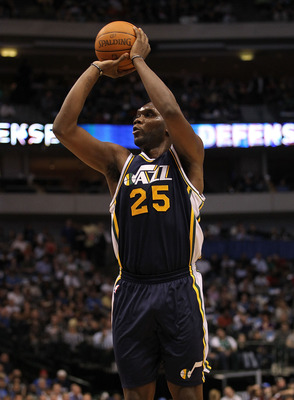 DALLAS, TX - FEBRUARY 23:  Forward Al Jefferson  #25 of the Utah Jazz takes a shot against the Dallas Mavericks at American Airlines Center on February 23, 2011 in Dallas, Texas.  NOTE TO USER: User expressly acknowledges and agrees that, by downloading a