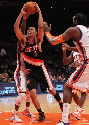 NEW YORK - OCTOBER 30:  Brandon Roy #7 of the Portland Trail Blazer drives to the basket agaisnt the New York Knicks at Madison Square Garden on October 30, 2010 in New York City. NOTE TO USER: User expressly acknowledges and agrees that, by downloading a