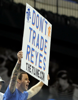 NEW YORK, NY - JUNE 05:  A fan of the New York Mets shows his support for Jose Reyes during the game the game against the Atlanta Braves on June 5, 2011 at Citi Field in the Flushing neighborhood of the Queens borough of New York City.  (Photo by Jim McIs