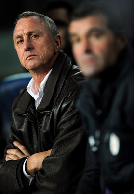BARCELONA, SPAIN - DECEMBER 22:  Head coach Johan Cruyff of Catalunya looks on during the international friendly match between Catalunya and Argentina at the Camp Nou stadium on December 22, 2009 in Barcelona, Spain. Catalunya won the match 4-2.  (Photo b