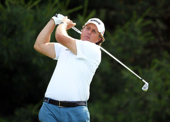DUBLIN, OH - JUNE 03:  Phil Mickelson hits his tee shot on the par 4 17th hole during the second round of the Memorial Tournament presented by Nationwide Insurance at Muirfield Village Golf Club on June 3, 2011 in Dublin, Ohio.  (Photo by Andy Lyons/Getty