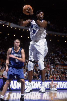 21 Nov 2001:  Center Patrick Ewing #6 of the Orlando Magic rebounds during the NBA game against the Minnesota Timberwolves at TD Waterhouse Centre in Orlando, Florida.  The Magic defeated the Timberwolves 117-106.  Mandatory Credit: Andy Lyons/Getty Image