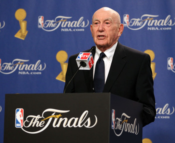 LOS ANGELES, CA - JUNE 06:  Former coach Dr. Jack Ramsay receives the 2010 Chuck Daly Lifetime Achievement Award before Game Two of the 2010 NBA Finals between the Boston Celtics and the Los Angeles Lakers at Staples Center on June 6, 2010 in Los Angeles,
