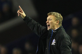 LIVERPOOL, ENGLAND - MARCH 01:  David Moyes the manager of Everton gives instructions to his players during the FA Cup 5th round match sponsored by E.on between Everton and Reading at Goodison Park on March 1, 2011 in Liverpool, United Kingdom.  (Photo by