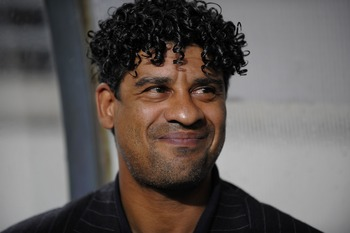 MURCIA, SPAIN - MAY 17:  Barcelona 's Dutch manager Frank Rijkaard smiles before the start of the La Liga match between Murcia and Barcelona at the Nueva Condomina stadium on May 17, 2008 in Murcia, Sp?in.  (Photo by Denis Doyle/Getty Images)