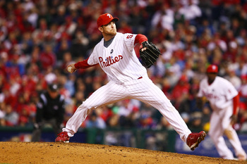PHILADELPHIA - OCTOBER 19:  Brad Lidge #54 of the Philadelphia Phillies throws a pitch against the Los Angeles Dodgers in Game Four of the NLCS during the 2009 MLB Playoffs at Citizens Bank Park on October 19, 2009 in Philadelphia, Pennsylvania.  (Photo b
