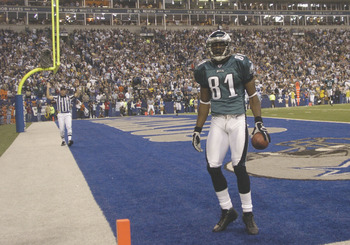 Philadephia Eagles wide receiver Terrell Owens is alone in the end zone against the Dallas Cowboys on Monday Night Football November 15, 2005 at Texas Stadium.  Owens caught six passes and socred three touchdowns.  (Photo by Al Messerschmidt/Getty Images)