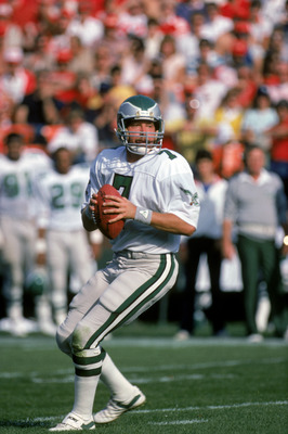 SAN FRANCISCO - NOVEMBER 3:  Quarterback Ron Jaworski #7 of the Philadelphia Eagles looks down field for a receiver during a game against the San Francisco 49ers at Candlestick Park on November 3, 1985 in San Francisco, California.  The 49ers won 24-13.