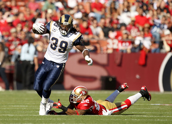 SAN FRANCISCO - NOVEMBER 14:  Steven Jackson #39 of the St. Louis Rams in action against the San Francisco 49ers at Candlestick Park on November 14, 2010 in San Francisco, California.  (Photo by Ezra Shaw/Getty Images)
