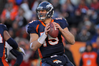 DENVER - JANUARY 02:  Quarterback Tim Tebow #15 of the Denver Broncos looks to deliver a pass against the San Diego Chargers at INVESCO Field at Mile High on January 2, 2011 in Denver, Colorado.  (Photo by Doug Pensinger/Getty Images)