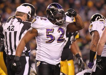 PITTSBURGH, PA - JANUARY 15:  Linebacker Ray Lewis #52 of the Baltimore Ravens reacts after a play against the Pittsburgh Steelers during the AFC Divisional Playoff Game at Heinz Field on January 15, 2011 in Pittsburgh, Pennsylvania.  (Photo by Nick Laham