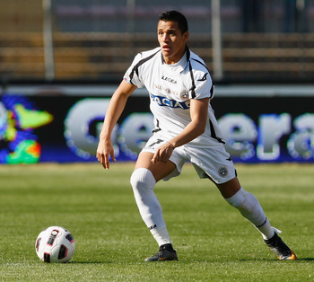 LECCE, ITALY - APRIL 03:  Alexis Sanchez of Udinese during the Serie A match between US Lecce and Udinese Calcio at Stadio Via del Mare on April 3, 2011 in Lecce, Italy.  (Photo by Maurizio Lagana/Getty Images)