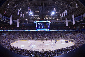 VANCOUVER, BC - JUNE 10:  The Vancouver Canucks play against the Boston Bruins during Game Five of the 2011 NHL Stanley Cup Final at Rogers Arena on June 10, 2011 in Vancouver, British Columbia, Canada.  (Photo by Rich Lam/Getty Images)