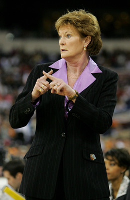 INDIANAPOLIS - APRIL 03:  Head coach Pat Summitt of the Tennessee Lady Vols calls a play in the game against the Michigan State Spartans in the Semifinal game of the Women's NCAA Basketball Championship on April 3, 2005 at the RCA Dome in Indianapolis, In