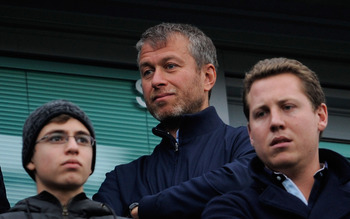 LONDON, ENGLAND - MARCH 20:  Chelsea owner Roman Abramovich looks on prior to the Barclays Premier League match between Chelsea and Manchester City at Stamford Bridge on March 20, 2011 in London, England.  (Photo by Michael Regan/Getty Images)