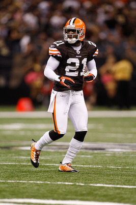 NEW ORLEANS - OCTOBER 24:  Eric Wright #21 of the Cleveland Browns in action against the New Orleans Saints at the Louisiana Superdome on October 24, 2010 in New Orleans, Louisiana.  (Photo by Chris Graythen/Getty Images)