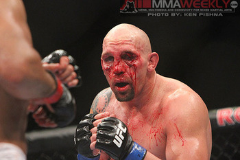 Dos-santos-vs-carwin_0127_large_display_image