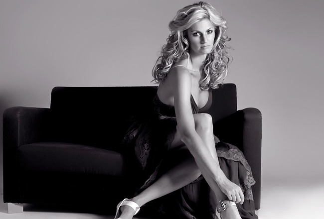 Erin-andrews-feet-177815_crop_650x440