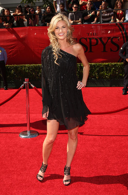 LOS ANGELES, CA - JULY 15:  ESPN reporter Erin Andrews arrives at the 2009 ESPY Awards held at Nokia Theatre LA Live on July 15, 2009 in Los Angeles, California. The 17th annual ESPYs will air on Sunday, July 19 at 9PM ET on ESPN.  (Photo by Jason Merritt