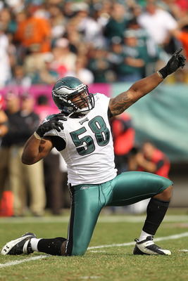 PHILADELPHIA - OCTOBER 17: Trent Cole #58 of the Philadelphia Eagles celebrates a sack against Matt Ryan of the Atlanta Falcons during their game at Lincoln Financial Field on October 17, 2010 in Philadelphia, Pennsylvania.  (Photo by Al Bello/Getty Image