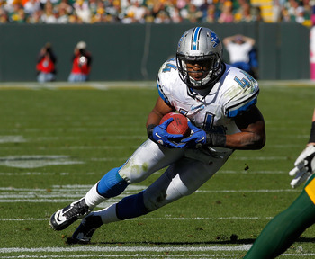 GREEN BAY, WI - OCTOBER 03: Jahvid Best #44 of the Detroit Lions runs against the Green Bay Packers at Lambeau Field on October 3, 2010 in Green Bay, Wisconsin. The Packers defeated the Lions 28-26. (Photo by Jonathan Daniel/Getty Images)