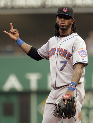 PITTSBURGH, PA - JUNE 10:  Jose Reyes #7 of the New York Mets signals two outs against the Pittsburgh Pirates during the game on June 10, 2011 at PNC Park in Pittsburgh, Pennsylvania.  (Photo by Justin K. Aller/Getty Images)