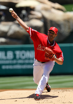 ANAHEIM, CA - JUNE 05:  Joel Pineiro #35 of the Los Angeles Angels of Anaheim  throws a pitch against the New York Yankees on June 5, 2011 at Angel Stadium in Anaheim, California.  (Photo by Stephen Dunn/Getty Images)