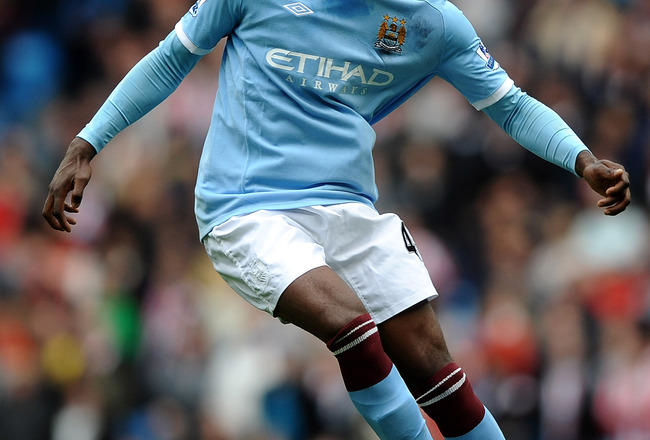 MANCHESTER, ENGLAND - APRIL 03:  Mario Balotelli of Manchester City in action during the Barclays Premier League match between Manchester City and Sunderland at the City of Manchester Stadium on April 3, 2011 in Manchester, England.  (Photo by Laurence Gr