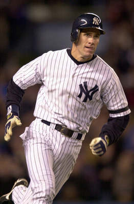 22 Oct 2000:  #21 Paul O''Neill of the New York Yankees hits a single to score Tino Martinez in the sixth inning  against the New York Mets during Game 2 of the MLB World Series at Yankee Stadium in the Bronx, New York. <DIGITAL IMAGE> Mandatory Credit: E