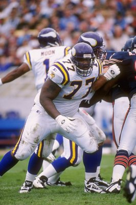 15 Sep 1996:  Offensive lineman Korey Stringer of the Minnesota Vikings blocks during the Vikings 20-14 victory over the Chicago Bears at Soldier Field in Chicago, Illinois. Mandatory Credit: Jonathan Daniel  /Allsport