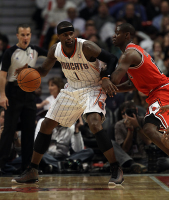 CHICAGO, IL - FEBRUARY 15: Stephen Jackson #1 of the Charlotte Bobcats moves against Ronnie Brewer #11 of the Chicago Bulls at the United Center on February 15, 2011 in Chicago, Illinois. The Bulls defeated the Bobcats 106-94. NOTE TO USER: User expressly
