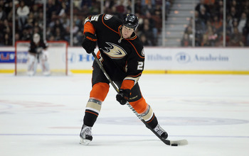 ANAHEIM, CA - JANUARY 16:  Andy Sutton #25 of the Anaheim Ducks skates against the Edmonton Oilers at the Honda Center on January 16, 2011 in Anaheim, California.  (Photo by Jeff Gross/Getty Images)