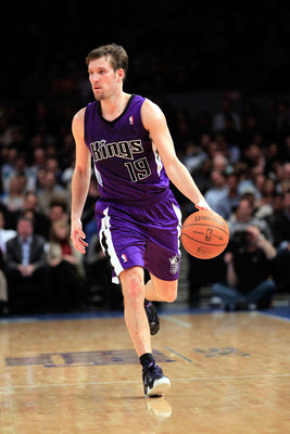 NEW YORK, NY - JANUARY 14: Beno Udrih #19 of the Sacramento Kings dribbles the ball against the New York Knicks at Madison Square Garden on January 14, 2011 in New York City. NOTE TO USER: User expressly acknowledges and agrees that, by downloading and or