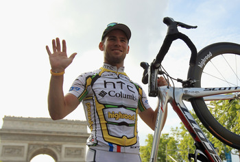 PARIS - JULY 25:  Mark Cavendish of team HTC Columbia celebrates after winning the twentieth and final stage of Le Tour de France 2010, from Longjumeau to the Champs-Elysees in Paris on July 25, 2010 in Paris, France.  (Photo by Spencer Platt/Getty Images