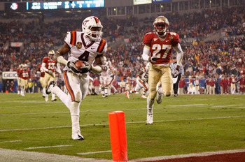 CHARLOTTE, NC - DECEMBER 04:  David Wilson #4 of the Virginia Tech Hokies runs for a touchdown during their game against the Florida State Seminoles at Bank of America Stadium on December 4, 2010 in Charlotte, North Carolina.  (Photo by Streeter Lecka/Get