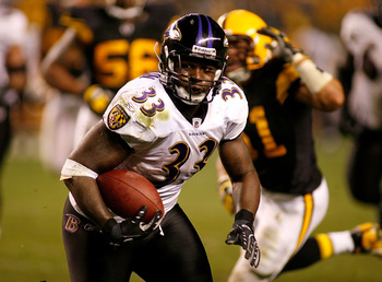 PITTSBURGH - SEPTEMBER 29: LeRon McLain #33  of the Baltimore Ravens runs against the Pittsburgh Steelers on September 29, 2008 at Heinz Field in Pittsburgh, Pennsylvania.  (Photo by Rick Stewart/Getty Images)