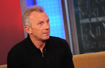 NEW YORK, NY - MAY 03:  Former NFL Football Player Joe Montana visits FOX & Friends at FOX Studios on May 3, 2011 in New York City.  (Photo by Jason Kempin/Getty Images)