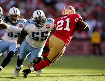 SAN FRANCISCO - NOVEMBER 08:  Frank Gore #21 of the San Francisco 49ers is tackled by Stephen Tulloch #55 of the Tennessee Titans at Candlestick Park on November 8, 2009 in San Francisco, California.  (Photo by Ezra Shaw/Getty Images)