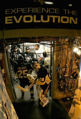 PITTSBURGH - JUNE 4:  Goaltender Marc-Andre Fleury #29 of the Pittsburgh Penguins stands with teammates Max Talbot #25 and Pascal Dupuis #9 before game six of the 2008 NHL Stanley Cup Finals against  the Detroit Red Wings at Mellon Arena on June 4, 2008 i