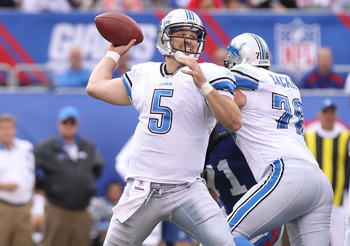EAST RUTHERFORD, NJ - OCTOBER 17:  Drew Stanton #5 of the Detroit Lions passes the ball against the New York Giants at New Meadowlands Stadium on October 17, 2010 in East Rutherford, New Jersey.  (Photo by Nick Laham/Getty Images)