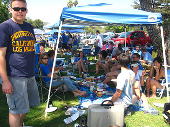 Ucla-tailgate_display_image