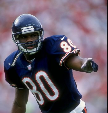 20 Sep 1998:  Wide Receiver Curtis Conway #80 of the Chicago Bears pointing at something during the game against the Tampa Bay Buccaneers at the Houlihan Stadium in Tampa, Florida. The Buccaneers defeated the Bears 27-15.