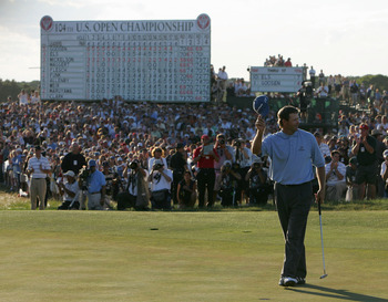 SOUTHAMPTON, NY - JUNE 20:  Retief Goosen of South Africa celebrates a two-stroke victory on the 18th green during the final round of the 104th U.S. Open at Shinnecock Hills Golf Club on June 20, 2004 in Southampton, New York.  (Photo by Jamie Squire/Gett