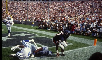 6 SEP 1992:  CHICAGO BEARS WIDE RECEIVER WENDELL DAVIS LEAVES TWO LIONS ON THE GROUND BUT MISSES THE BALL AS THE BEARS BEAT DETROIT 27-24 IN WEEK 1.