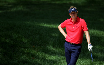 BETHESDA, MD - JUNE 14:   Luke Donald of England waits to play a bunker shot on the practice ground during a practice round prior to the start of the 111th U.S. Open at Congressional Country Club on June 14, 2011 in Bethesda, Maryland.  (Photo by Ross Kin