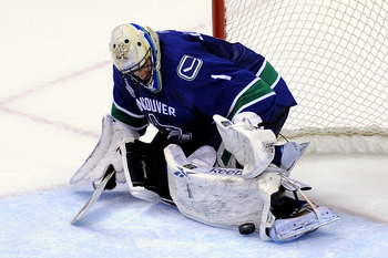 VANCOUVER, BC - JUNE 10:  Roberto Luongo #1 of the Vancouver Canucks tends goal against the Boston Bruins during Game Five of the 2011 NHL Stanley Cup Final at Rogers Arena on June 10, 2011 in Vancouver, British Columbia, Canada.  (Photo by Harry How/Gett